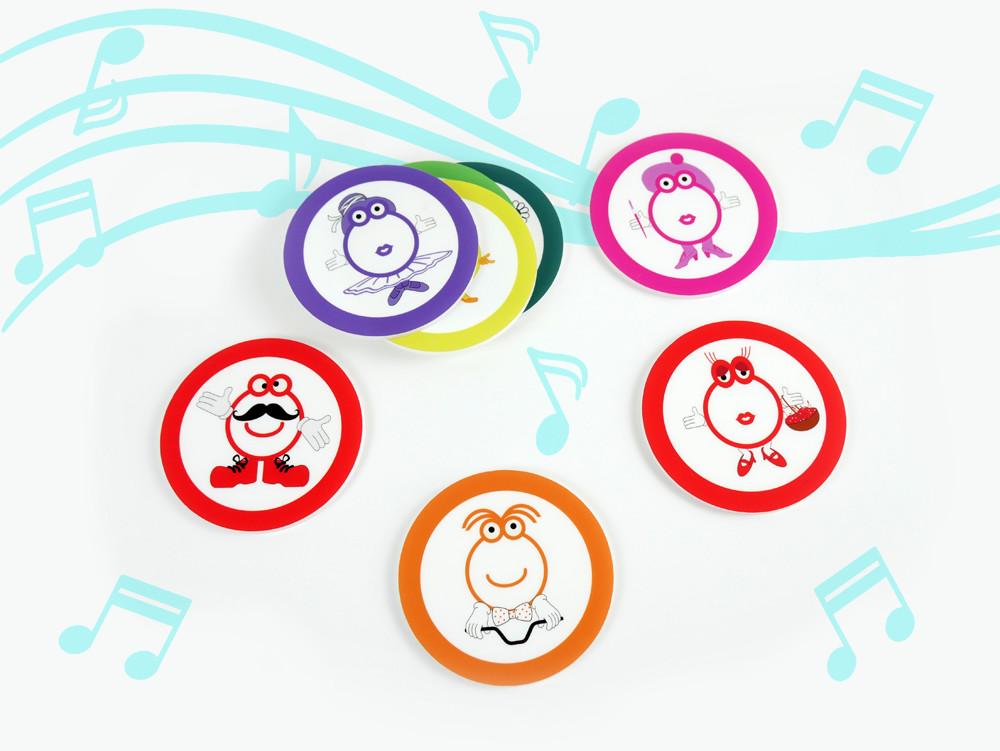 Figuras con notas musicales para mesa de luz